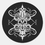 Tatuaje tribal del imperio blanco y negro pegatina redonda