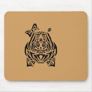 Tatuajes tribales exquisitamente juguetones mouse pad
