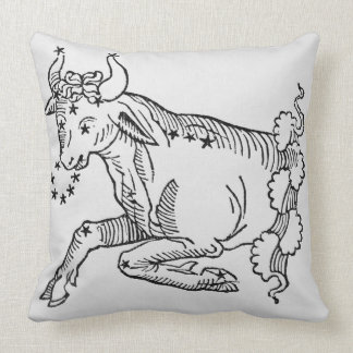 Tauro (Bull) un ejemplo del 'poético Almohada