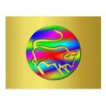 Tauro el color del arco iris del zodiaco de Bull Tarjetas Postales