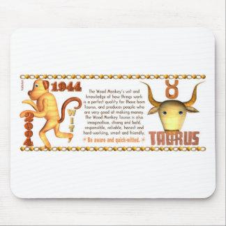 Tauro llevado mono de madera 1944 del zodiaco de V Alfombrillas De Raton