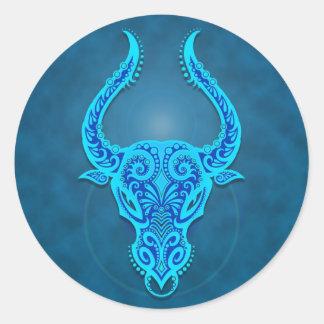 Tauro tribal azul complejo pegatina redonda