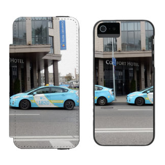 Taxi Cabs in Vilnius Lithuania iPhone SE/5/5s Wallet Case