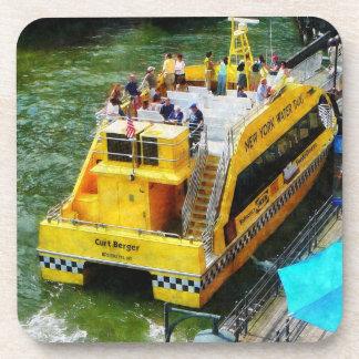 Taxi del agua en el puerto del sur de la calle posavaso