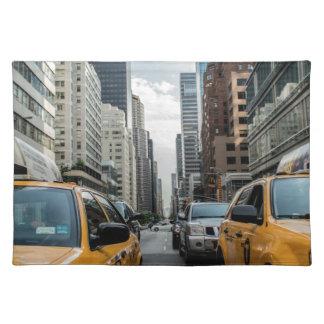 Taxis de Nueva York en la ciudad Mantel