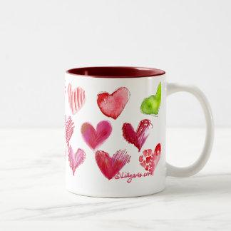 Taza 1 de los corazones del amor de la tarjeta del
