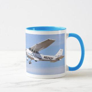 Taza 2008 de café de la foto del SP de Cessna 172