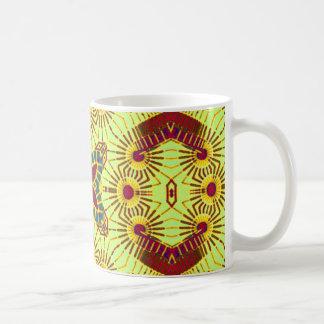 Taza abstracta tribal brillante del diseñador