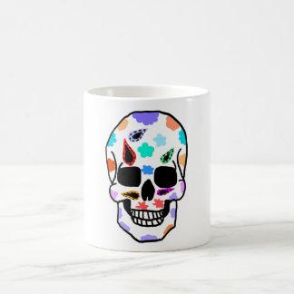Taza adornada del cráneo