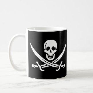 Taza alegre de la bandera de pirata de Rogelio