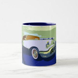 Taza americana clásica del coche