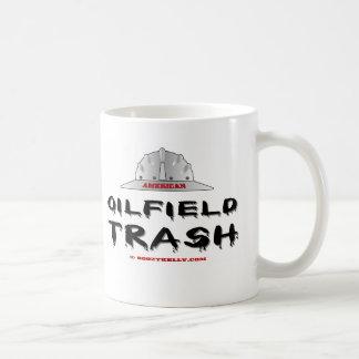 Taza americana de la basura del campo petrolífero