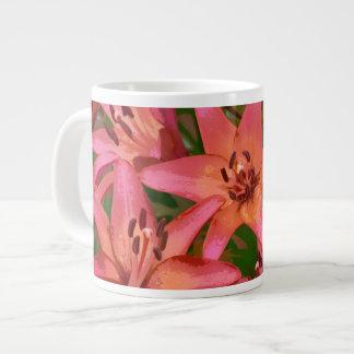 Taza anaranjada de China de la impresión floral de