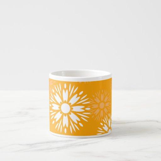 Taza anaranjada del café express del verano tazita espresso