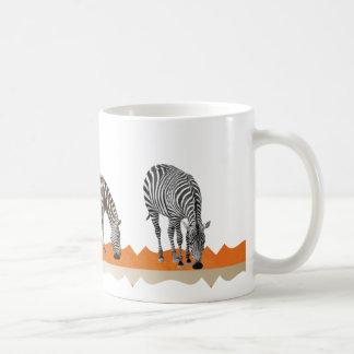 Taza anaranjada del chocolate del té del café de