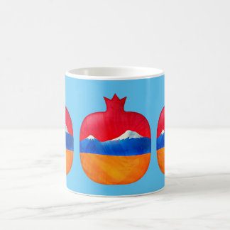 Taza armenia de la bandera de la granada