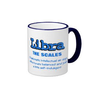 Taza astrológica blanca azul de Libra The Scales