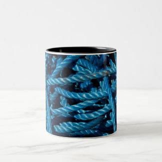 Taza azul de la cuerda