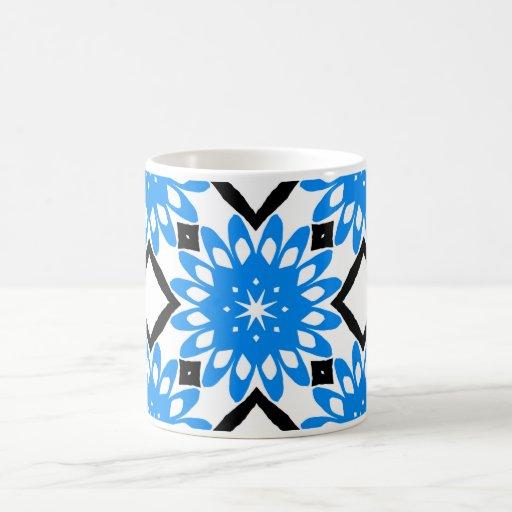 Taza azul de la flor del arte de la mandala
