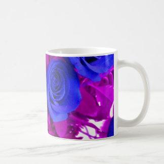 Taza azul de los rosas 2