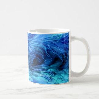 Taza azul de mármol del fractal