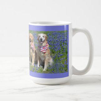 Taza azul del capo de los perros perdigueros de