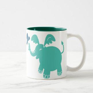 Taza azul del elefante