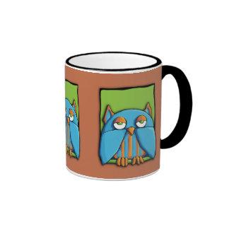 Taza azul del marrón del verde del búho