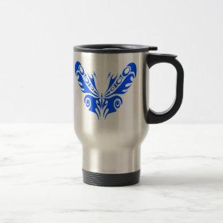 Taza azul del viaje del café de la mariposa