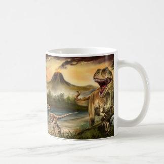 Taza blanca básica de los dinosaurios