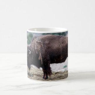 Taza blanca clásica búfalo del americano de 11