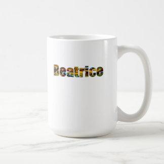 Taza blanca clásica de Beatriz