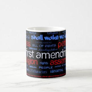 Taza blanca clásica de la Primera Enmienda