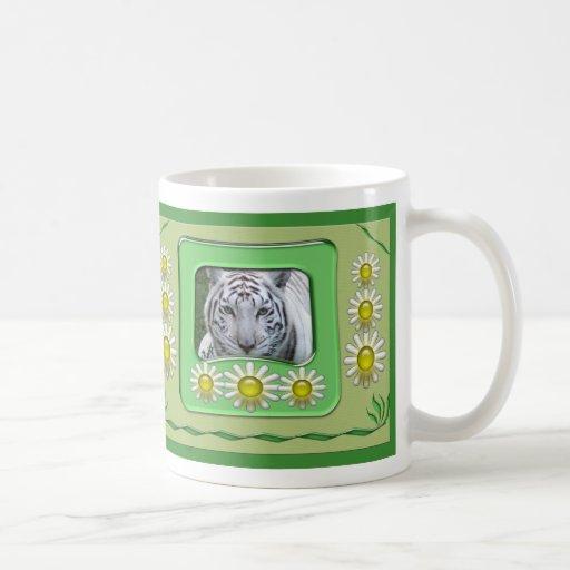 Taza blanca de St Patrick del tigre