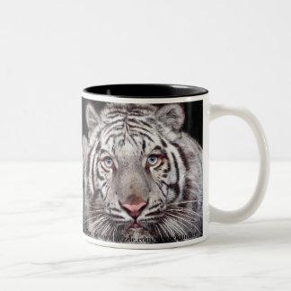 Taza blanca del tigre
