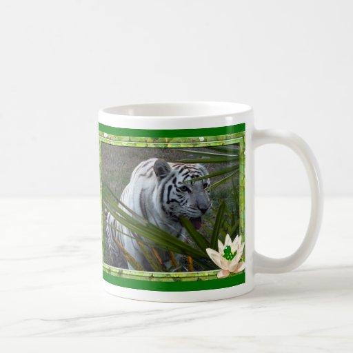 Taza blanca del tigre de St Patrick