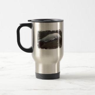 Taza blanca del viaje de las ballenas de la beluga