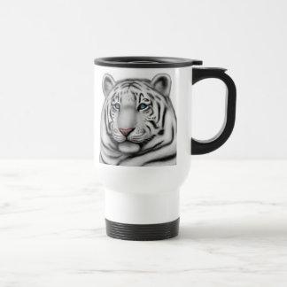 Taza blanca real del viaje del tigre