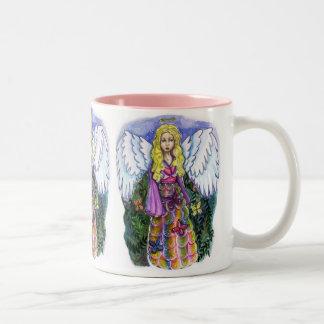 Taza bonita del ángel de la paciencia
