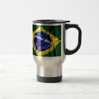 Taza brasileña de la bandera