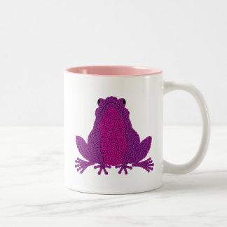 Taza céltica de la rana - púrpura