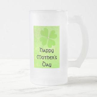 Taza céltica del vidrio del día de madre