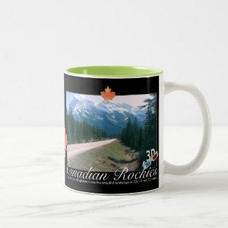 Taza ciánica roja del anáglifo de Rockies Canadá 3