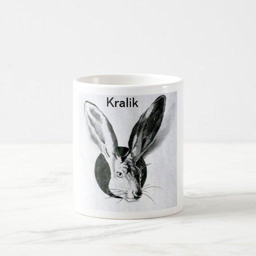 Taza clásica de Kralik con el conejo y el nombre