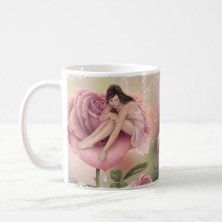 Taza color de rosa de la hada de la flor