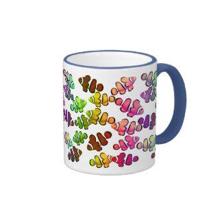 Taza colorida de Clownfish del arrecife de coral