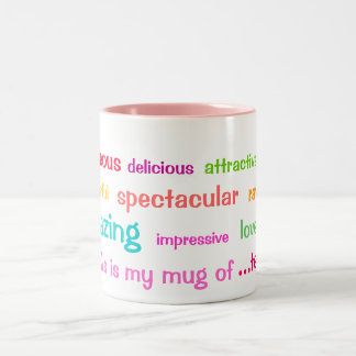 Taza colorida de los adjetivos del té