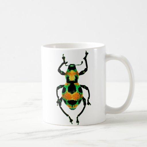 Taza colorida del escarabajo