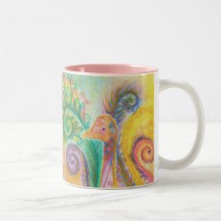 Taza con diseño colorido del pájaro