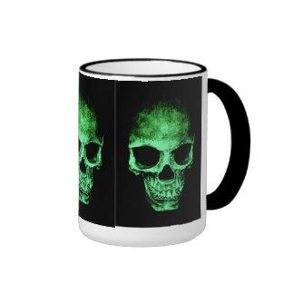 Taza con el cráneo verde